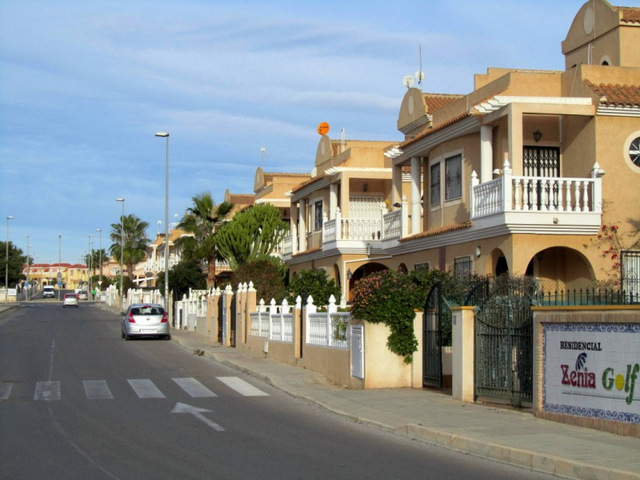 Residential areas Orihuela: Villapiedra and La Regia
