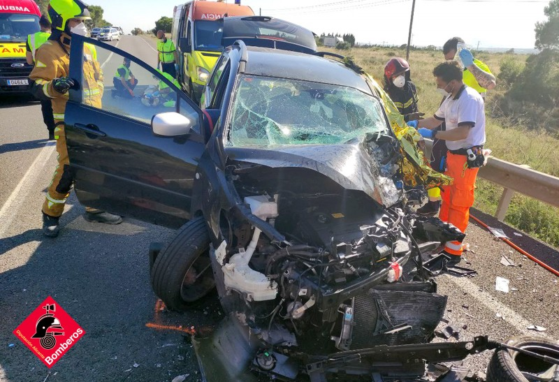 <span style='color:#780948'>ARCHIVED</span> - Tragedy as woman dies in horror crash on the N-332 near Santa Pola
