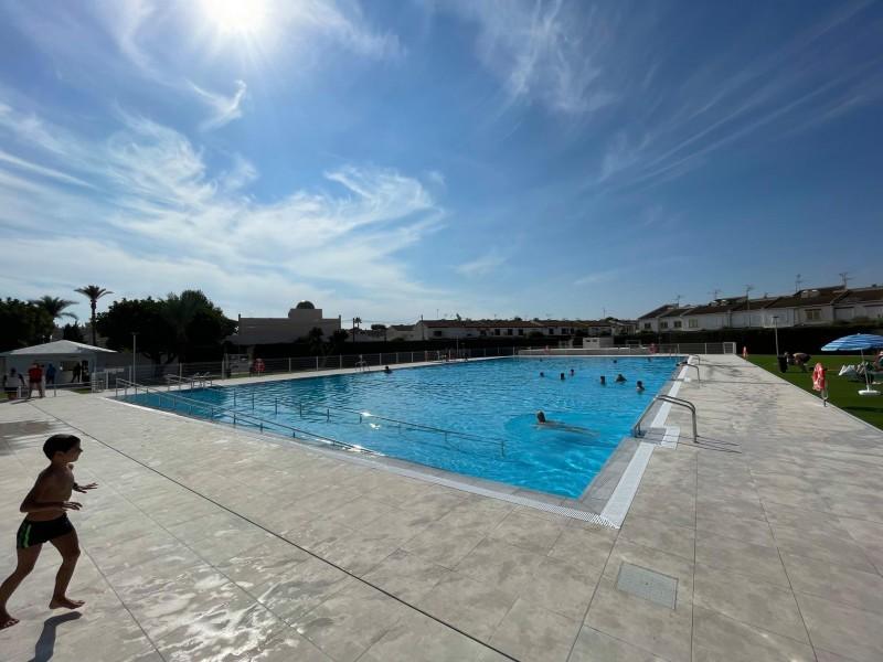 <span style='color:#780948'>ARCHIVED</span> - Los Alcazares re-opens piscina Ola Azul complex