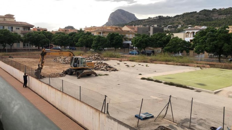 <span style='color:#780948'>ARCHIVED</span> - Work begins on long-awaited indoor swimming pool in Javea