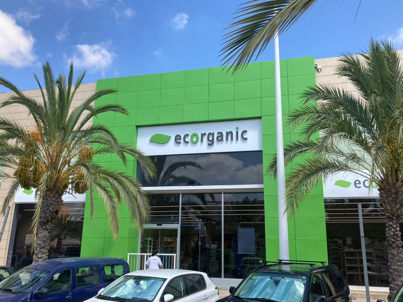 <span style='color:#780948'>ARCHIVED</span> - Ecorganic chain opens its fifth supermarket in Alicante province